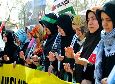 Onbinler İstanbul'da İsrail'i protesto etti! galerisi resim 13