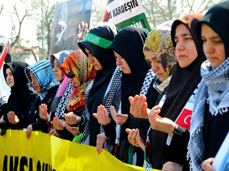 Onbinler İstanbul'da İsrail'i protesto etti! galerisi resim 5