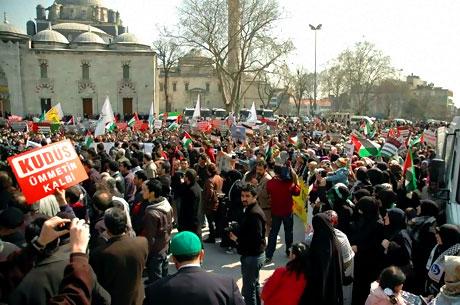 Onbinler İstanbul'da İsrail'i protesto etti! galerisi resim 6