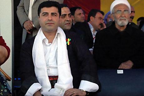 Diyarbakır'da Newroz ateşi yakıldı galerisi resim 12