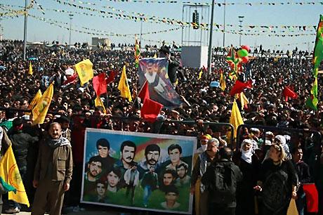 Diyarbakır'da Newroz ateşi yakıldı galerisi resim 13