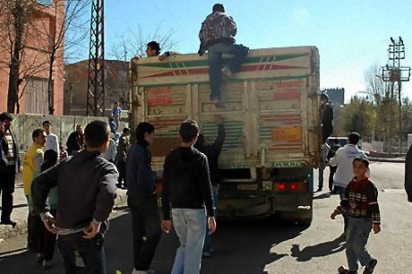 Diyarbakır'da Newroz ateşi yakıldı galerisi resim 15