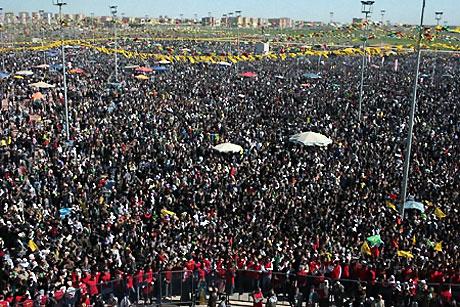 Diyarbakır'da Newroz ateşi yakıldı galerisi resim 23
