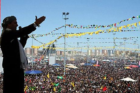 Diyarbakır'da Newroz ateşi yakıldı galerisi resim 27
