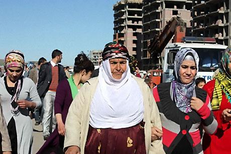 Diyarbakır'da Newroz ateşi yakıldı galerisi resim 31