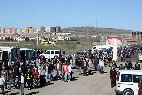 Diyarbakır'da Newroz ateşi yakıldı galerisi resim 32
