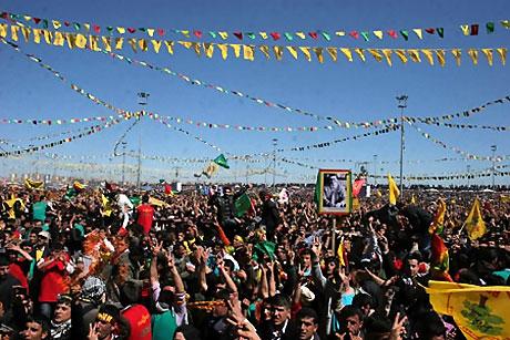 Diyarbakır'da Newroz ateşi yakıldı galerisi resim 34