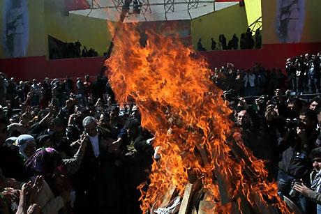 Diyarbakır'da Newroz ateşi yakıldı galerisi resim 38