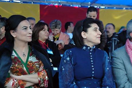 Diyarbakır'da Newroz ateşi yakıldı galerisi resim 6