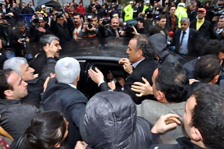Ahmet Türk'e ırkçı saldırı galerisi resim 2