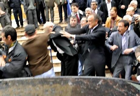 Ahmet Türk'e ırkçı saldırı galerisi resim 20