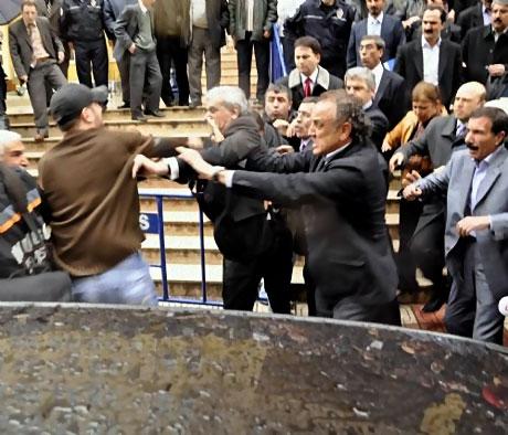 Ahmet Türk'e ırkçı saldırı galerisi resim 22