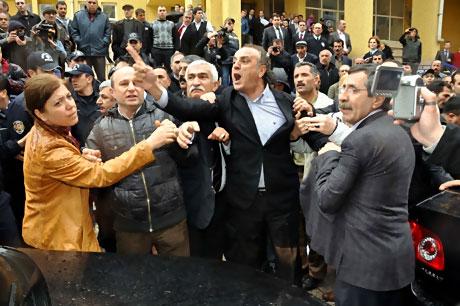 Ahmet Türk'e ırkçı saldırı galerisi resim 5