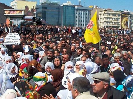 Taksim'de Binler Türk'e Saldırıyı kınadı galerisi resim 15