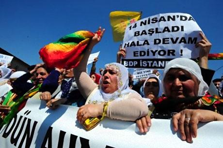 Taksim'de Binler Türk'e Saldırıyı kınadı galerisi resim 2
