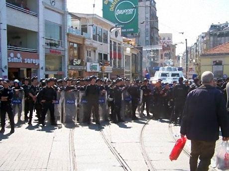 Taksim'de Binler Türk'e Saldırıyı kınadı galerisi resim 25