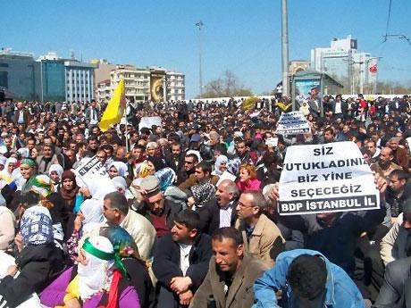 Taksim'de Binler Türk'e Saldırıyı kınadı galerisi resim 27