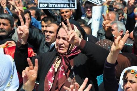 Taksim'de Binler Türk'e Saldırıyı kınadı galerisi resim 8