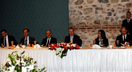 Başbakan yazarlarla açılımı konuştu galerisi resim 1