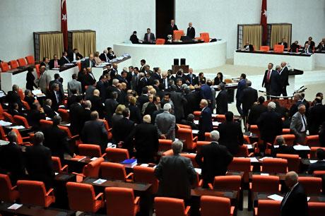 Mecliste 'Ülkede savaş yaşanıyor' tartışması! galerisi resim 10