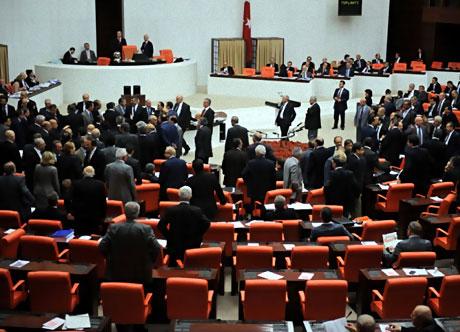 Mecliste 'Ülkede savaş yaşanıyor' tartışması! galerisi resim 7