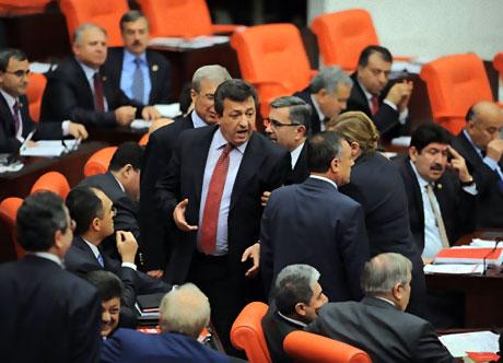 Mecliste 'Ülkede savaş yaşanıyor' tartışması! galerisi resim 8
