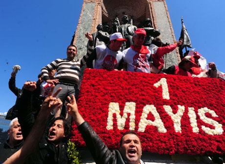 32 yıl sonra 1 Mayıs İşçi bayramı! galerisi resim 34