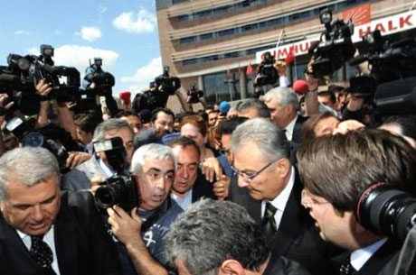 Baykal istifa etti, Partililer ağladı galerisi resim 23