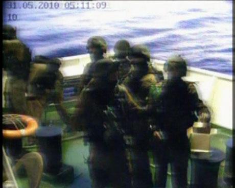 İsrail yardım gemisine böyle saldırdı galerisi resim 19