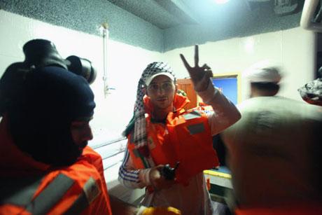 İsrail yardım gemisine böyle saldırdı galerisi resim 22