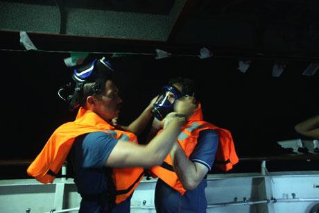 İsrail yardım gemisine böyle saldırdı galerisi resim 25