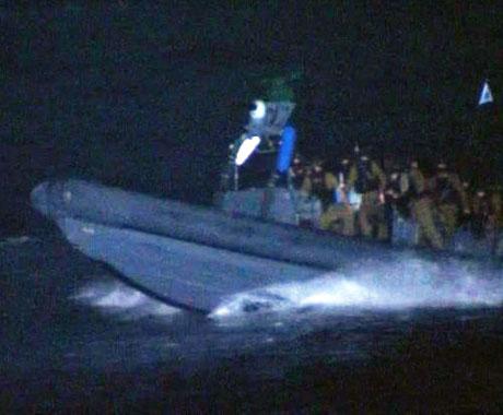 İsrail yardım gemisine böyle saldırdı galerisi resim 27