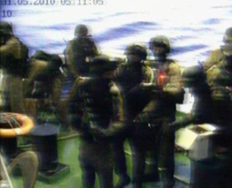 İsrail yardım gemisine böyle saldırdı galerisi resim 30