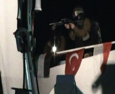 İsrail yardım gemisine böyle saldırdı galerisi resim 31