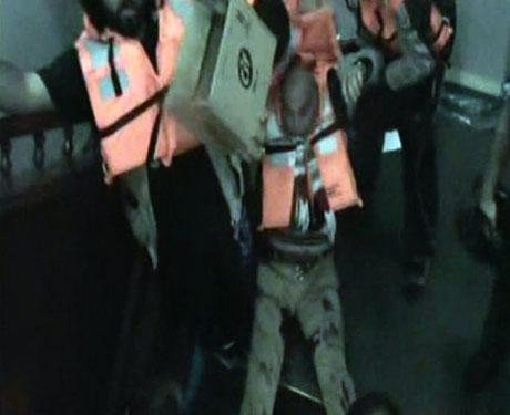 İsrail yardım gemisine böyle saldırdı galerisi resim 36