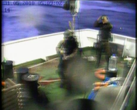 İsrail yardım gemisine böyle saldırdı galerisi resim 8