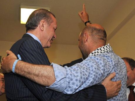 Erdoğan'ı alnından öptüler galerisi resim 1