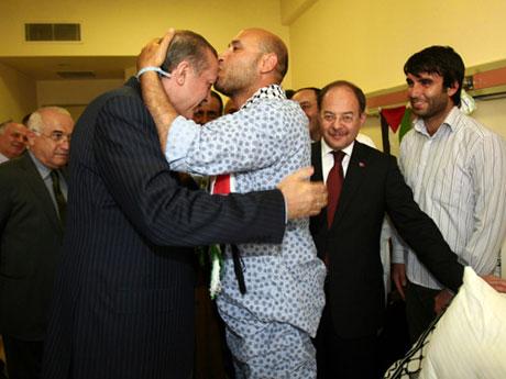 Erdoğan'ı alnından öptüler galerisi resim 3