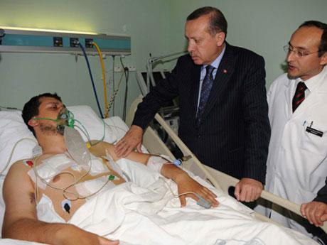 Erdoğan'ı alnından öptüler galerisi resim 9