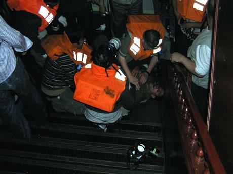 İsrail'in imajı yerlerde: Ağlayan komando! galerisi resim 16