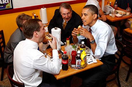 Obama ve Medvedev hamburgerci'de galerisi resim 14
