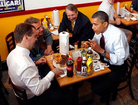 Obama ve Medvedev hamburgerci'de galerisi resim 16