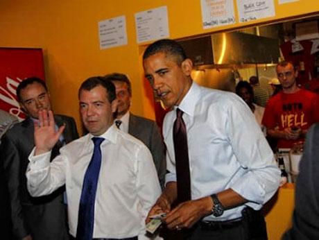 Obama ve Medvedev hamburgerci'de galerisi resim 9