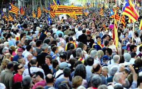 1 milyon Katalon 'biz ulusuz' dedi galerisi resim 2