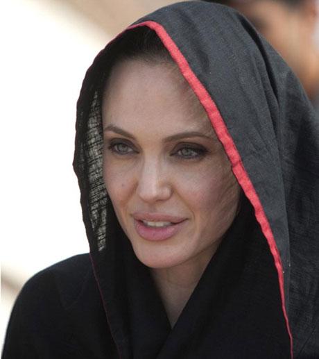 Angelina Jolie Felaket bölgesininde galerisi resim 11