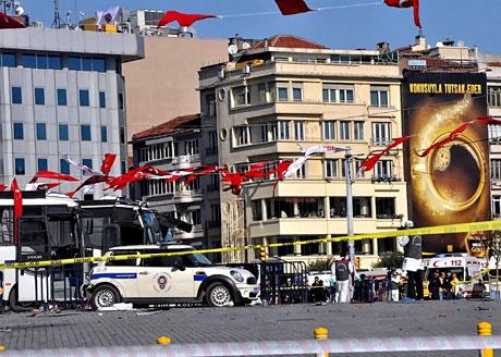 Taksim'de canlı bomba saldırısı galerisi resim 12