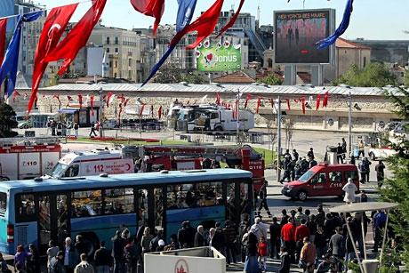 Taksim'de canlı bomba saldırısı galerisi resim 13