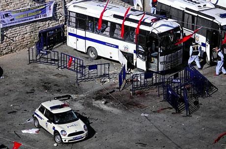 Taksim'de canlı bomba saldırısı galerisi resim 14