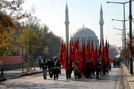 Asker Diyarbakır'da sloganlarla yürüdü galerisi resim 2