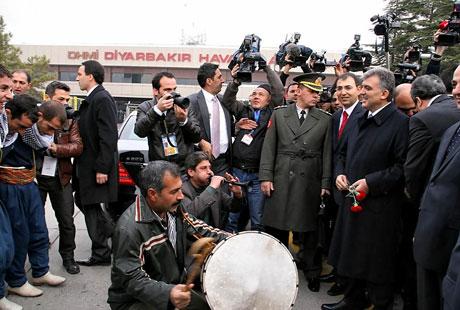 Cumhurbaşkanı Gül Diyarbakır'da galerisi resim 6
